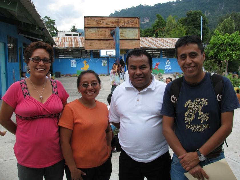 Caminos de Esperanza committee