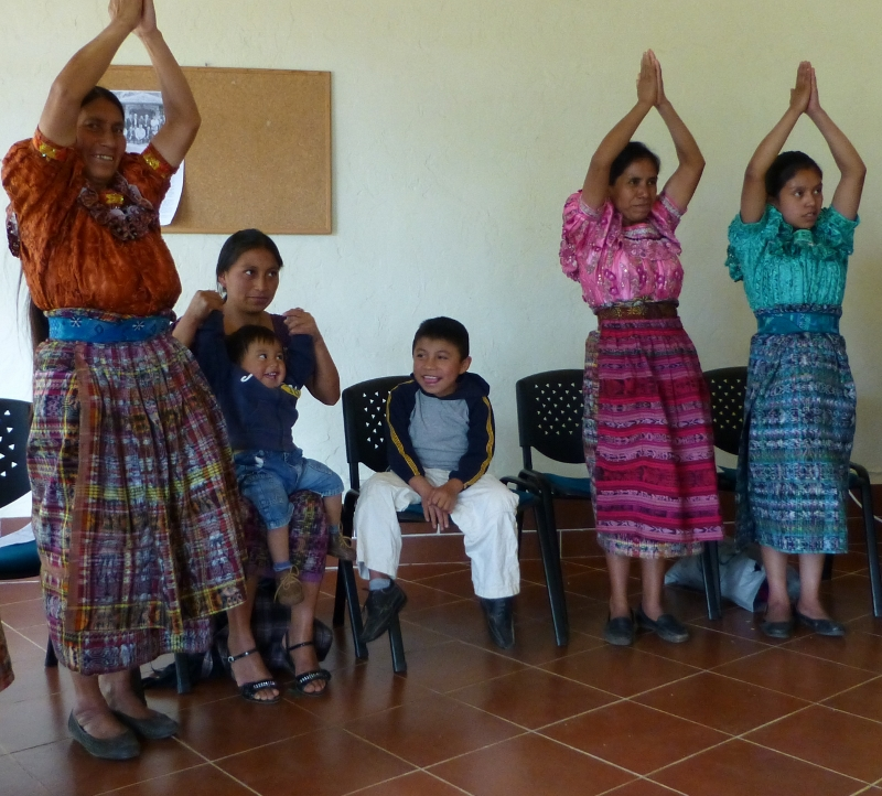 Mayans Relax with Yoga at Traditional Chinese Medicine Jornada
