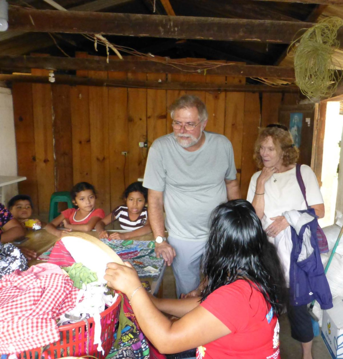 Oxlajuj B'atz' Hosts Dining for Women Members at LakeAtitlan